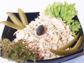 Meal salad with smoked chicken – recomended delivery