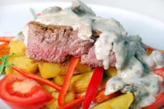 Beefsteak with mushrooms delivery