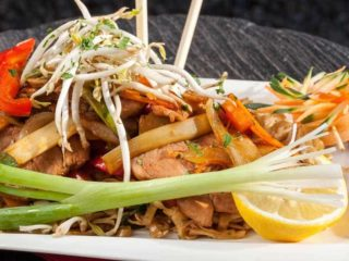 Pad Thai pork delivery