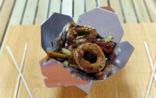 Pohovane lignje sa povrćem u sosu po želji dostava