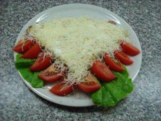 Palačinka pavlaka, goveđi pršut, kačkavalj, paradajz, salata dostava