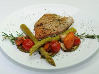 Tuna stek sa grilovanim povrćem dostava