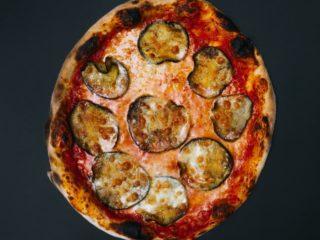 Parmigiana Ripiena klasik pica dostava