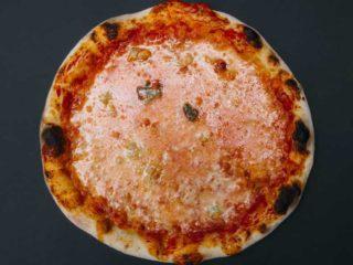 Quattro formaggi klasik pica dostava