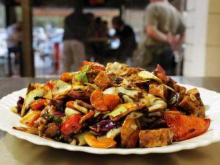 Piletina sa kikirikijem i povrćem dostava