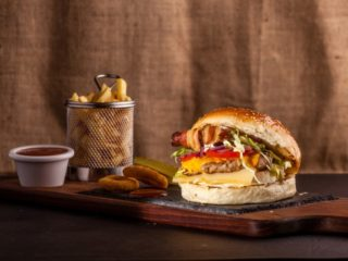 Chicken Bacon burger dostava