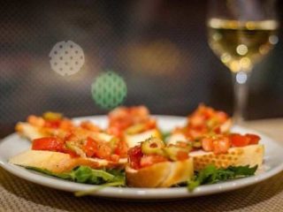 Bruschette pomodoro delivery