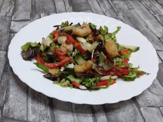Salata sa račićima dostava