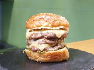 Triple burger dostava