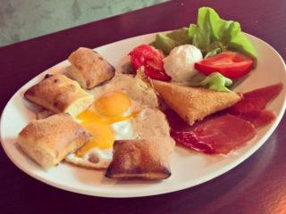 Helgas breakfast delivery