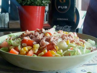Maxi salad with tuna delivery