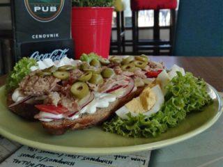 Sandwich tuna delivery