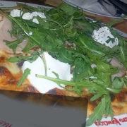 Rukola specijal pica