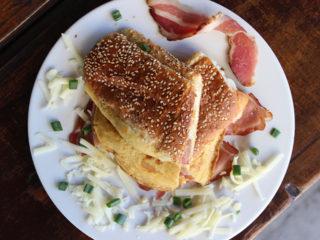 Omelett prosciutto delivery
