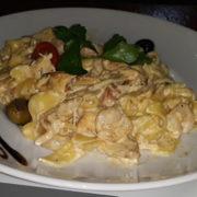 Pasta chicken fillet, prawn, neutral cream, parmesan