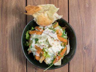 Pileća Tahini salata dostava