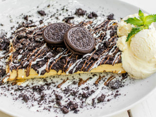 Waffle with Oreo biscuit delivery