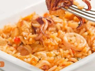 Fit rice with crispy squids and vegetables delivery