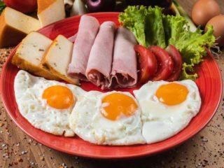 Jaja na oko sa šunkom dostava