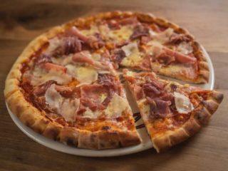 Pizza Pršuta, parmezan dostava