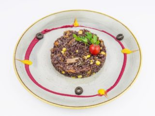 Black rice with vegetables delivery