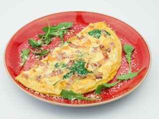 Fit omelet with spinach, pancetta and mozzarella delivery