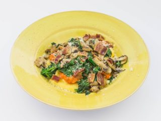 Polenta with mushrooms and bell pepper sauce delivery