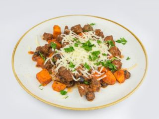 Sauteed beef with mozzarella and sweet potato delivery