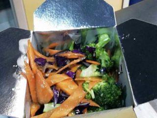 22. Brokoli u sosu od belog luka dostava
