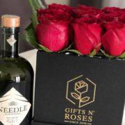 Ruže u kockastoj kutiji