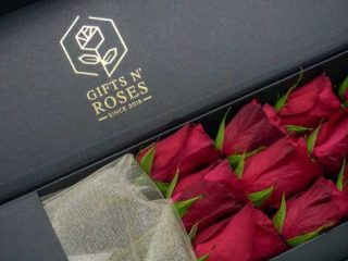 Roses lying down delivery