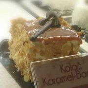 Karamel badem