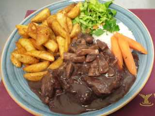 Fillet mignon with mushrooms delivery