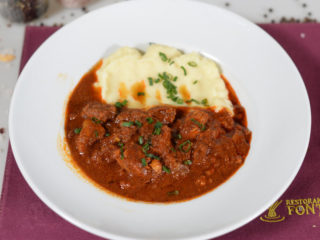 Young beef goulash delivery
