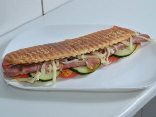 Warm sandwich smoked neck, cheese delivery