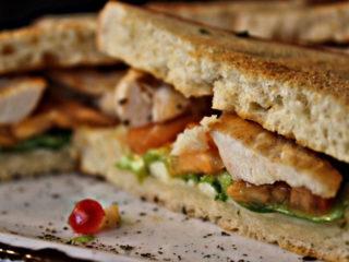 Tost sendvič sa piletinom dostava