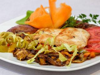 Piletina grilovano povrće dostava
