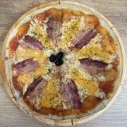 Čedar pančeta pica