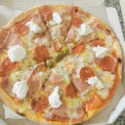 Neighborly pizza