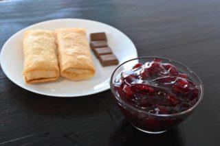 111. Slatke rolnice sa višnjama I čokoladom dostava