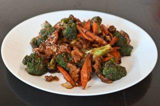 34. Teletina sa brokolijem u ostriga sosu dostava