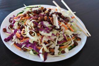 77. Ljuta salata od kupusa sa kikirikijem dostava